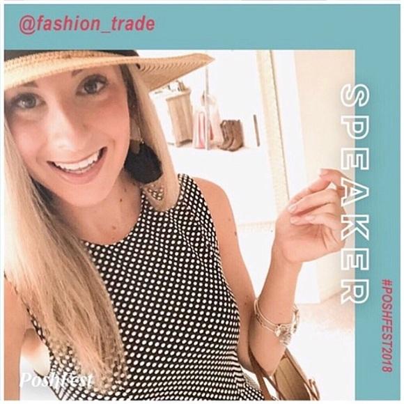af24d1e3cc6920 Fashion trade Bo-tique's Closet (@fashion_trade)   Poshmark